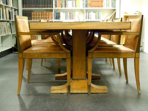 Bord och stolar ritat av Erik Hahr 1920-tal.