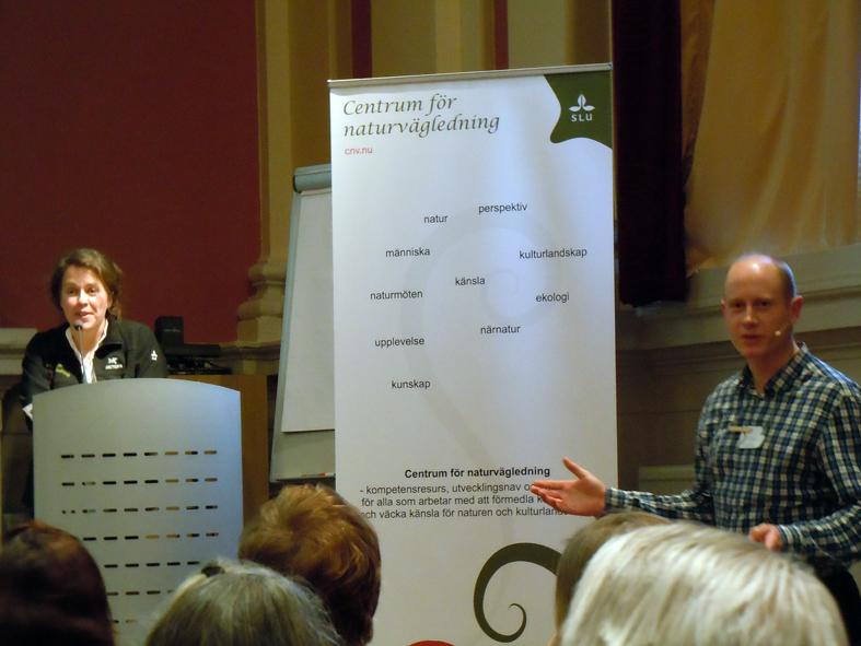 Eva Sandberg i talarstolen och Per Sonnvik till vänster, båda från SLU, och de höll tillsammans ordning under hela Teknikseminariet i måndags.