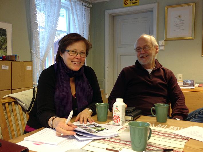 Anna Falkengren och Ingvar Henriksson på Ekomuseums kansli. Nu planeras framtiden!